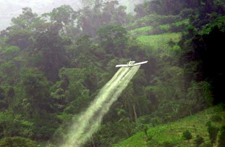 spray plane colombia